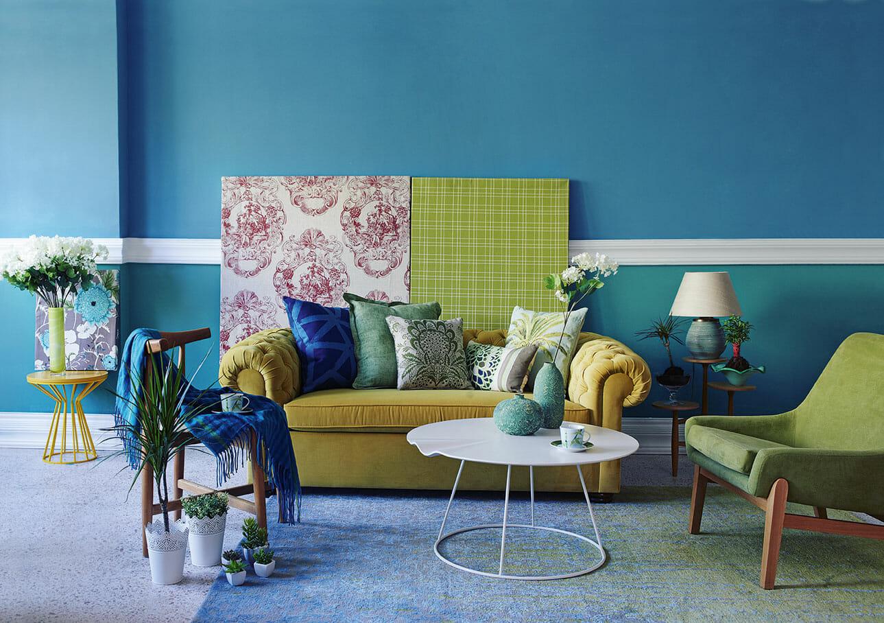Interiør med forskjellige møbler